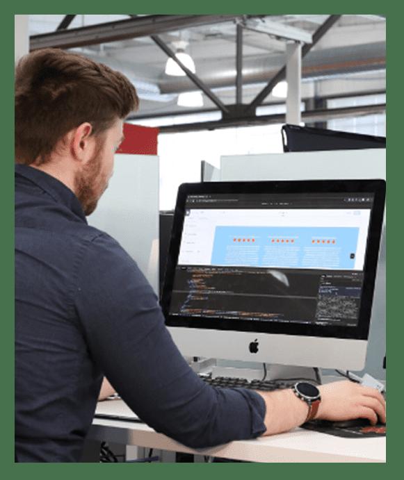 website designer working at 1seo digital agency