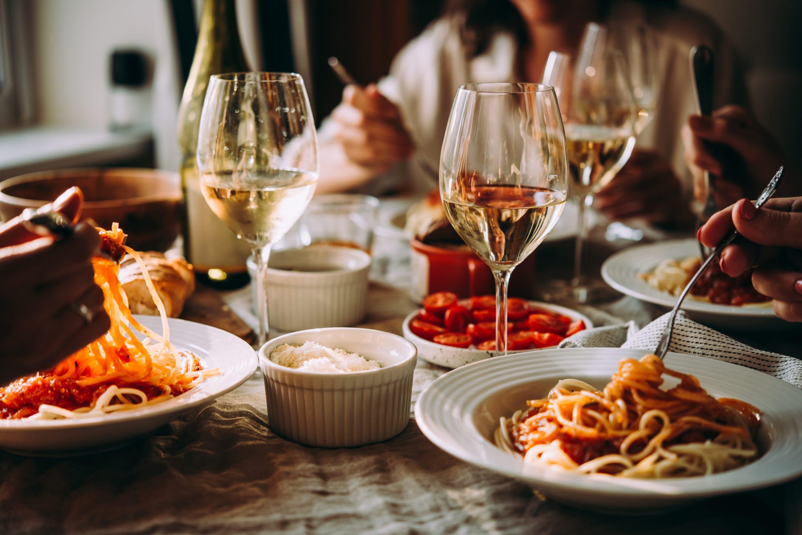 bar restaurant serving italian cuisine